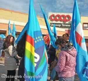 Livorno - La manifestazione sindacale contro Unicoop