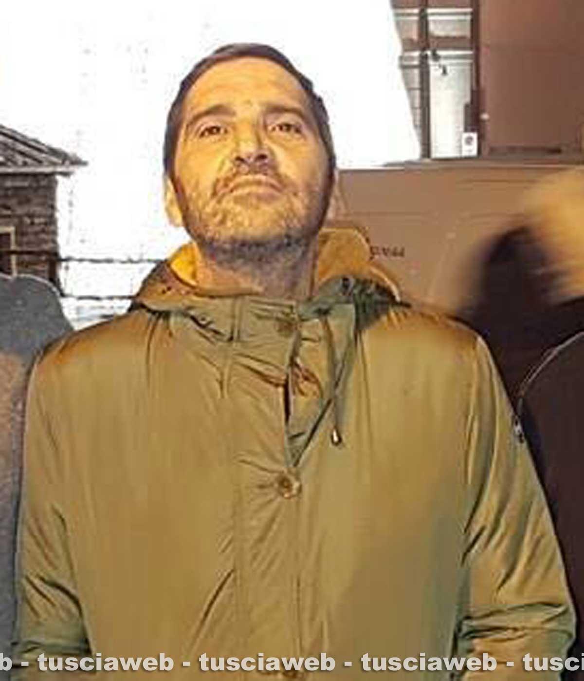 'Manfredi' di Suburra, ubriaco, distrugge un Hotel e aggredisce la compagna