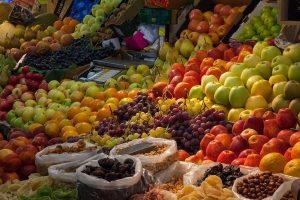 Mercato - Un banco di frutta