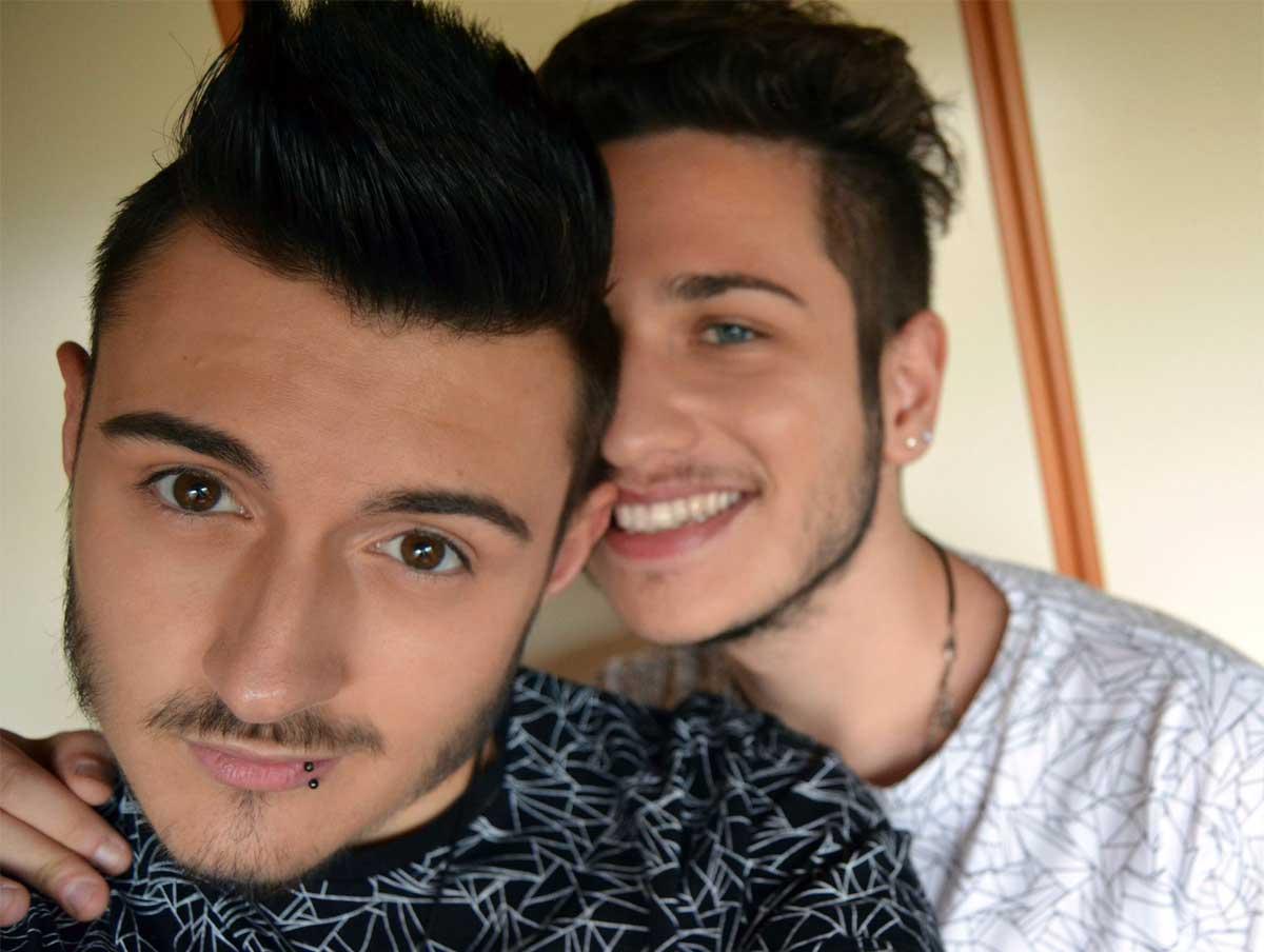Alex e Luca, funerale comune per i 21enni uccisi dal monossido