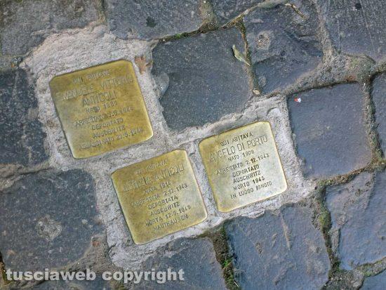 Viterbo - Le pietre d'inciampo in via della Verità 19