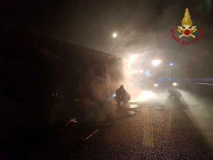 Tarquinia - L'intervento dei vigili del fuoco di Civitavecchia sull'A12