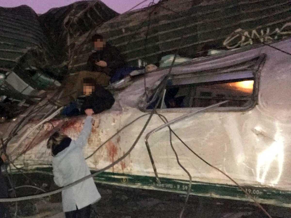 Milano, deraglia treno pendolari: 4 morti e 5 feriti gravissimi