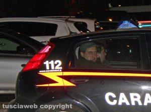 Viterbo - L'operazione dei carabinieri Birretta - Gli indagati portati in caserma