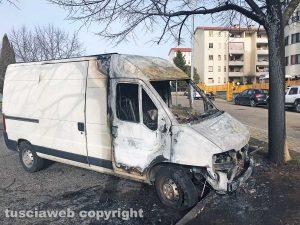 Viterbo - Esplosioni a Santa Barbara - Il furgone incendiato
