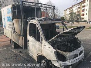 Viterbo - Esplosioni a Santa Barbara - Il camion della Graziani Traslochi incendiato