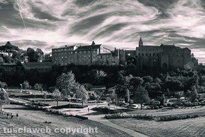 Viterbo - Una panoramica di Valle Faul e del palazzo dei Papi