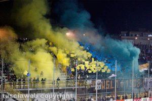 Sport - Calcio - Viterbese - La curva gialloblù