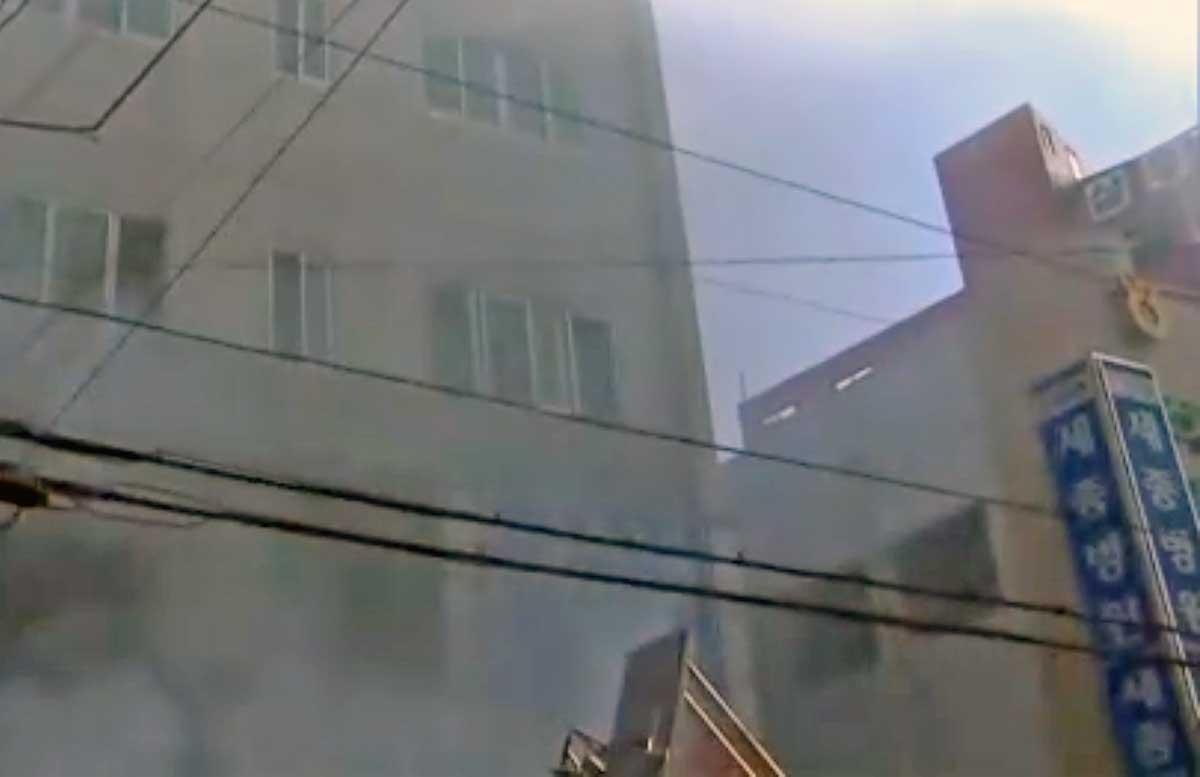 Fuoco in un ospedale della Corea del Sud: 41 morti