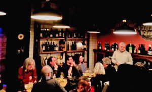 """San Lorenzo nuovo - La serata """"Vino e parole"""" al Caffè centrale"""