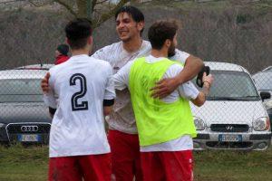 Sport - Calcio - Bomarzo - L'esultanza dei giocatori