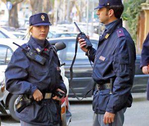 Roma - Polizia - Agenti al lavoro