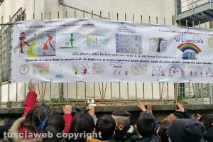 Viterbo - I piccoli studenti di Bagnaia dicono no al bullismo