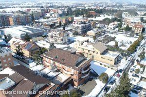 Viterbo - La neve sui tetti del quartiere Villanova