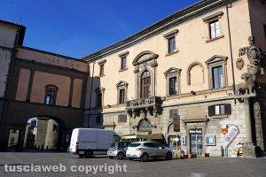 Viterbo - Il palazzo del Sindaco in piazza del Comune