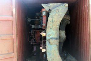 Civitavecchia - L'escavatore sequestrato e distrutto