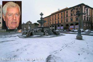 La neve a Viterbo - Nel riquadro il sindaco Leonardo Michelini