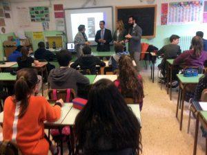 Grazia Ferro, Fabrizio Dell'Uomo, Carla Picozza e Andrea Adami in classe