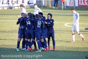 Sport - Calcio - Viterbese - L'esultanza dei gialloblù dopo l'1-0