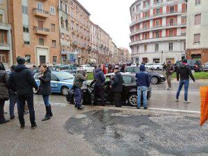 Macerata - Spari in città, la polizia ha fermato un uomo