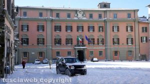 Viterbo coperta dalla neve - Il palazzo della Prefettura