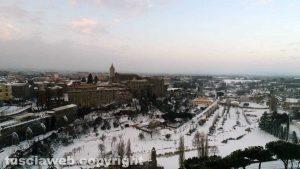 Viterbo - Le immagini aere della città sotto la neve