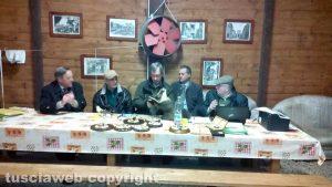 Il trofeo degli ungulati abbattuti - La commissione riunita a Tuscania
