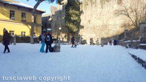 Viterbo coperta di neve- Il parco a Porta della Verità