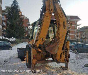 Viterbo - Emergenza neve - Mezzi al lavoro in via C. Cattaneo