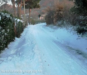 Viterbo - Neve in strada Costa Volpara
