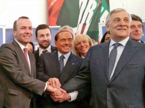 Foto di gruppo con Berlusconi