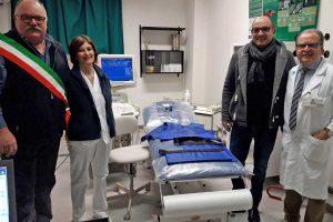 Tarquinia - Il momento della donazione all'ospedale