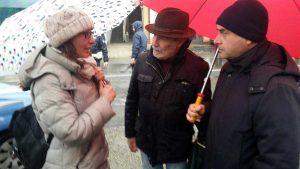 Silvia Blasi (M5s) al sit-in sulle condizioni pessime della Cassia