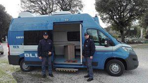 Viterbo - Il camper della polizia di stato a pratogiardino
