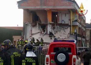 Crollo alla palazzina di Rescaldina, nel milanese