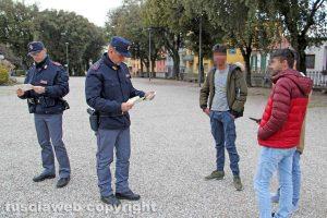 Viterbo - Controlli della Polizia a Pratogiardino