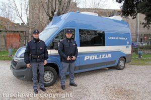 Viterbo - L'ufficio mobile della Polizia a Pratogiardino