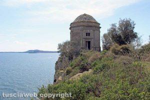 Capodimonte - L'isola Bisentina - La rocchetta di santa Caterina