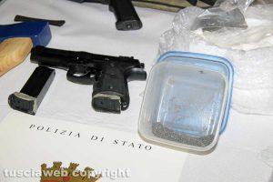 Viterbo - Polizia - L'arresto di Dennis Illarionovs - Le armi, gli ordigni e l'esplosivo sequestrati