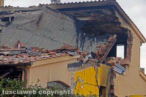 Montalto di Castro - La villetta esplosa a Torre di Maremma