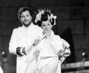 Il tenore Veriano Luchetti con la moglie, il soprano Mietta Sighele