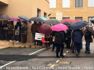 Tarquinia - Elezioni - Lunghe file ai seggi sotto la pioggia