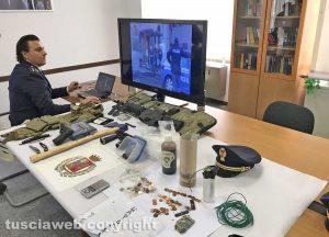 Viterbo - Questura - Le armi sequestrate