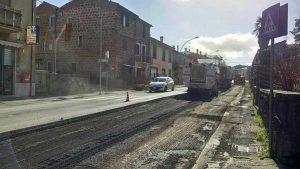Vetralla - I lavori di asfaltatura sulla Cassia