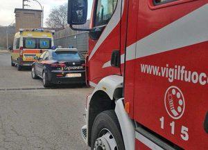 Ambulanza del 118, carabinieri, vigili del fuoco