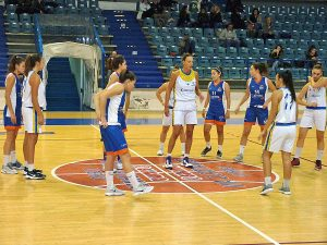 Sport - Basket - Defensor - La squadra in campo