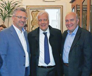 A sinistra il sindaco di Sutri, Guido Cianti