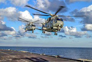 Marina militare - Due elicotteri