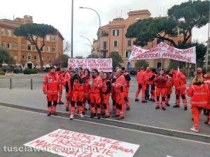 Protesta del 118 - Sit-in dei lavoratori dell'emergenza davanti alla regione Lazio