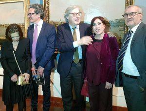 Al centro Vittorio Sgarbi e Martina Salza